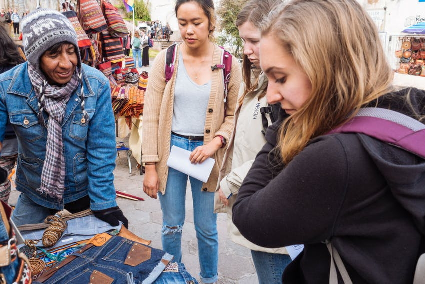 Haggling prices for souvenirs in Cusco