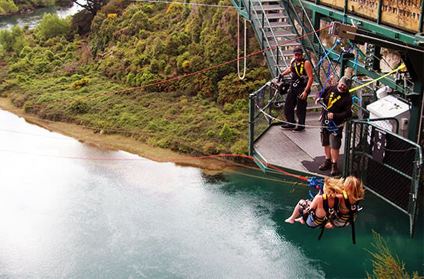 Bungy Jumping in New Zealand as an Intern Abroad