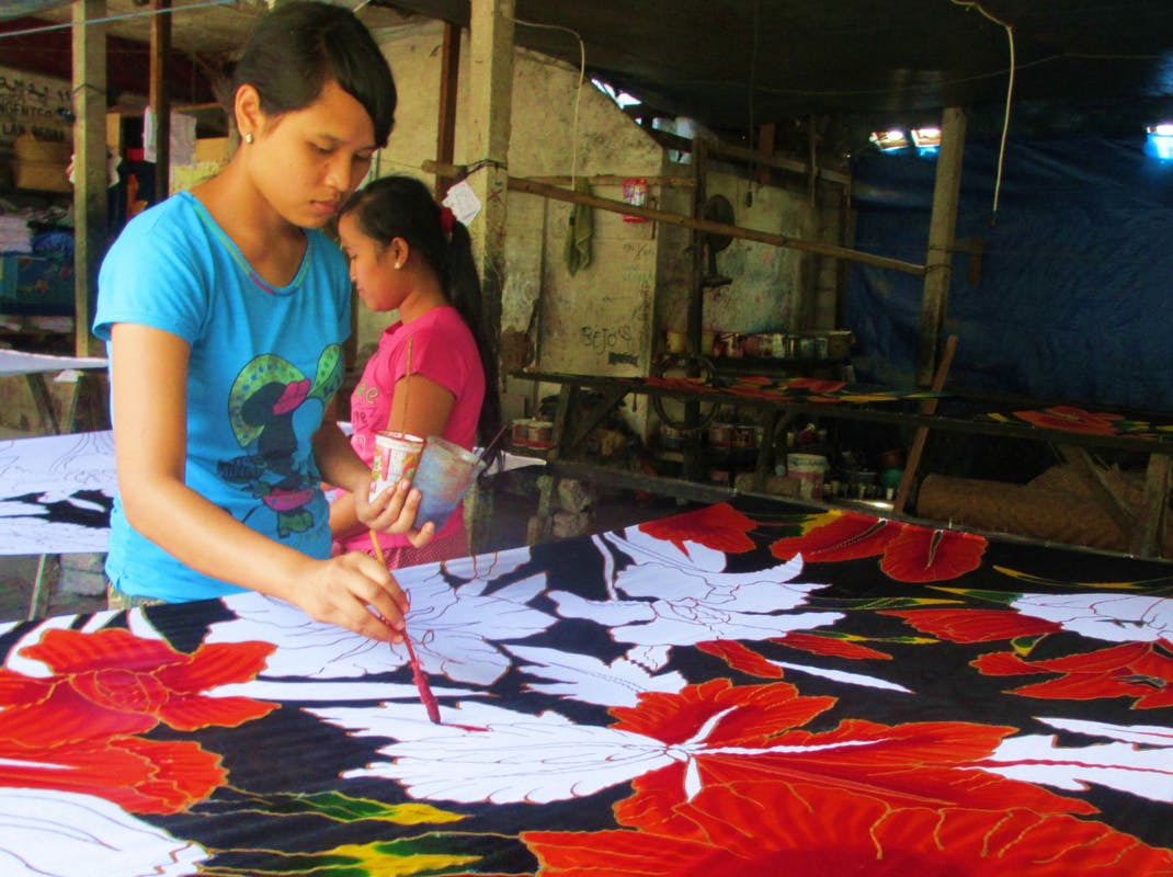 Painting fabric in Bali, Intern Abroad HQ