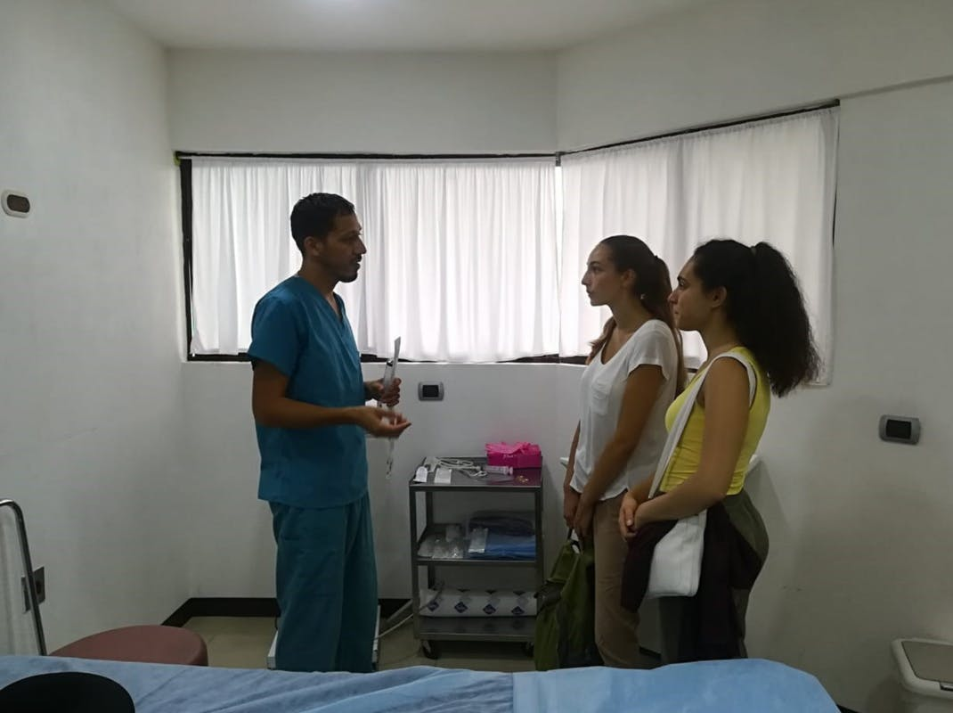 Medical interns in Costa Rica