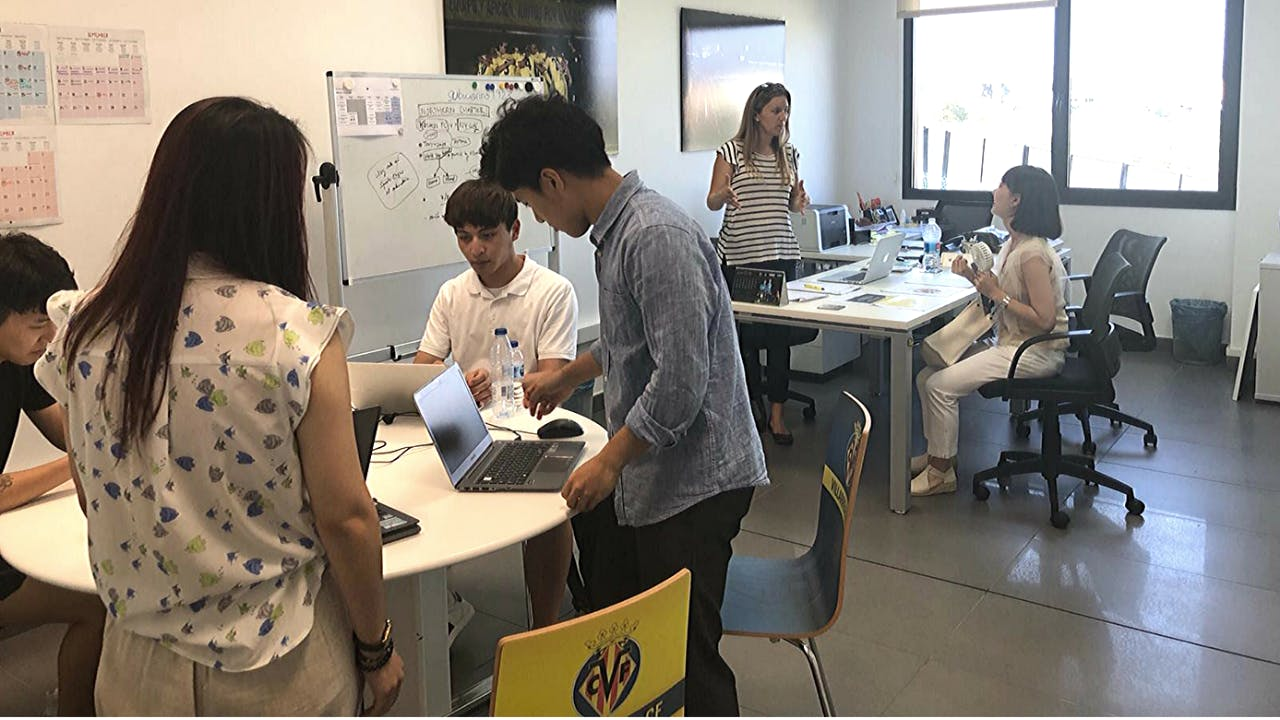 Finance remote internships out of Spain
